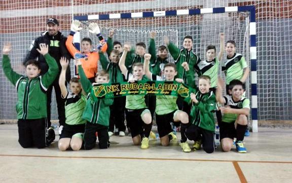 Mladi nogometaši Rudara časno predstavili klub u Sarajevu na velikom međunarodnom turniru