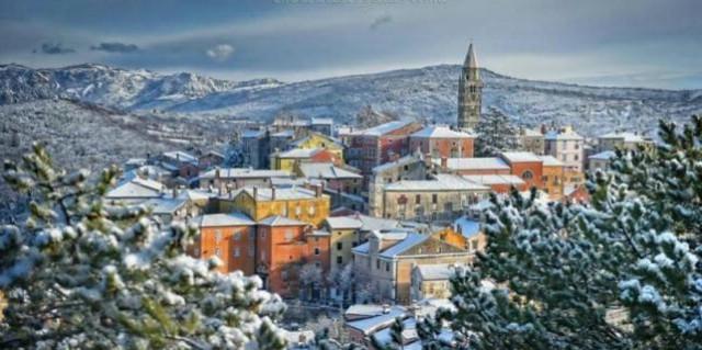 Snježni Labin u fotoobjektivu Rajka Boričića