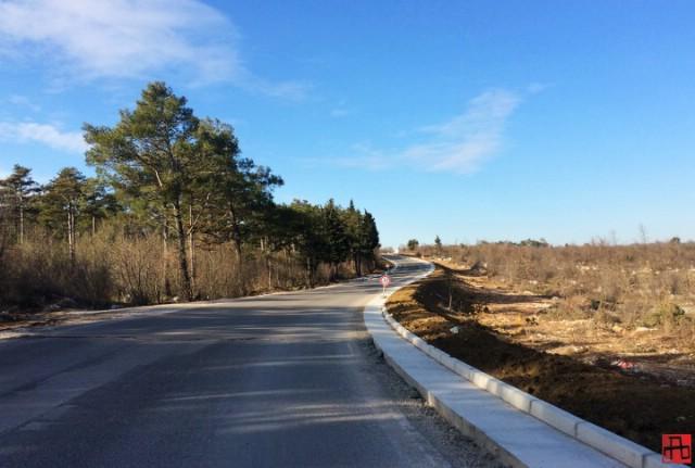 Cesta od Vozilići do Kršana i dalje zatvorena za sav promet
