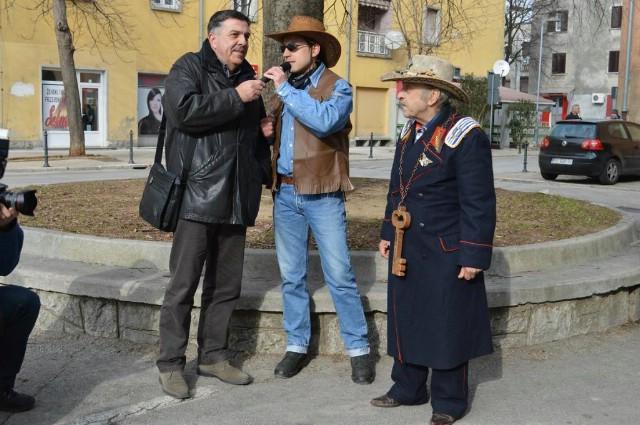 Vlast na Labinštini preuzele maškare / Diego Čekada zamijenio Darka Batelića Pipicu