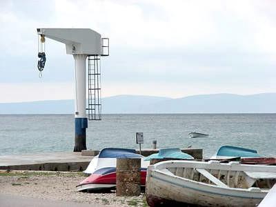 Rabačka dizalica za plovila do 11 metar, jedina na istočnoj obali pred uklanjanjem