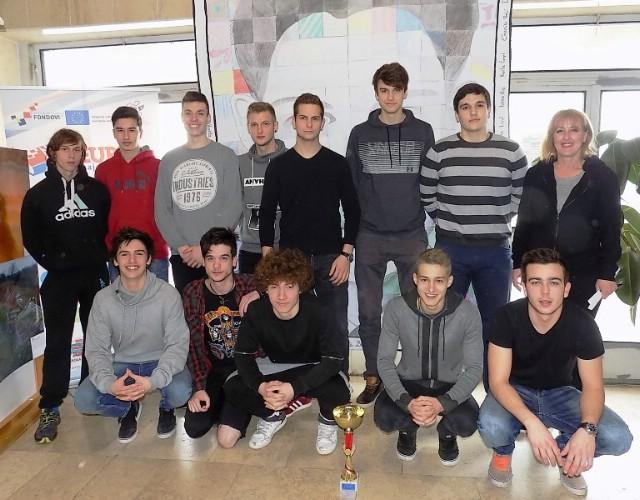 Rukometaši labinske Srednje škole uvjerljivo prvi na županijskom natjecanju ŠSD-a