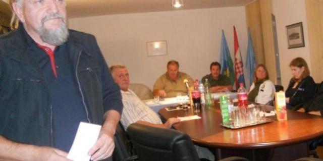 Ružić nezadovoljan odlukom Vijeća napustio sjednicu