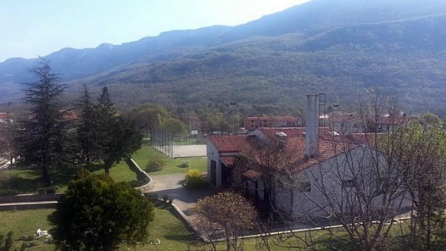 Općina Kršan uložit će 210 tisuća kuna u sanaciju krova škole u Vozilićima