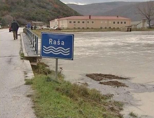 Vodostaj na rijeci Raši u opadanju (VIDEO)