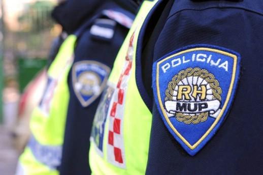 Labin: Kazneno prijavljen 33-godišnjak zbog prijetnje smrću policajcu