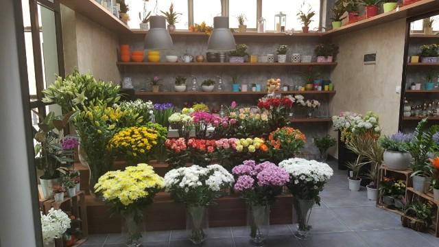 """Komunalno poduzeće """"1. Maj"""" na tržnici otvorilo cvjećarnu"""
