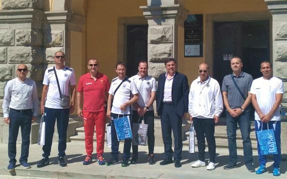 Predstavnici klubova koji sudjeluju u labinskoj skupini Kvarnerske Rivijere primljeni kod gradonačelnika
