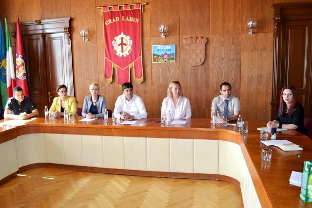 Održano službeno potpisivanje ugovora o financiranju malih projekata