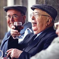 Božićno-novogodišnji poklon bonovi za umirovljenike