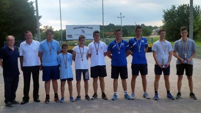 Ivan Načinović i Edvin Zukić bronačni juniorski boćarski par Istre