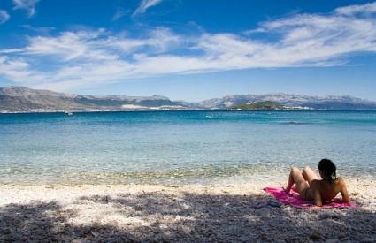 Što napraviti ako vas zaštitar pokuša otjerati s plaže? Što donosi novi Zakon o koncesijama