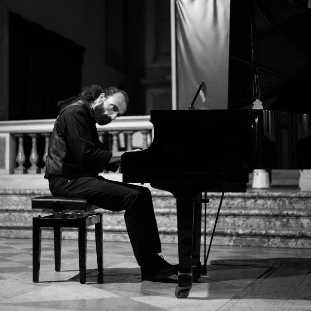 [KLASIČNO LJETO] Koncert Vitomira Ivanjeka `Ljetno razmišljanje` 2.kolovoza 2017 u crkvi Rođenja Blažene Djevice Marije Labin