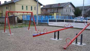 Uređeno dječje igralište na Vinežu