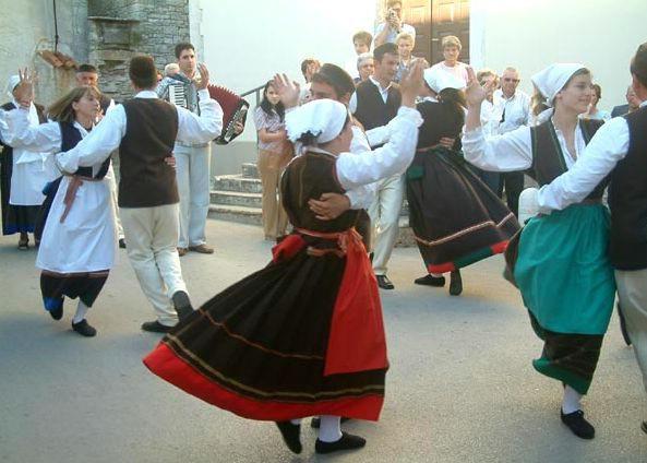 Tečajevi tradicionalnog plesa RKUD Rudar u Raši