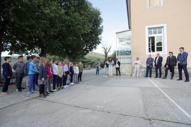 """Grad Labin i Valamar Riviera osigurali besplatan školski prijevoz učenicima OŠ """"Matija Vlačić"""" iz podružnice Rabac"""
