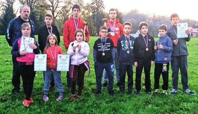Labinjanima 14 odličja na  kickboxing natjecanju `Otvoreni kup Topusko`