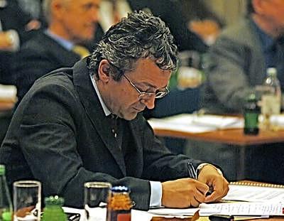 Prva Županijska skupština u 2009.trajala šest sti uz dvosatnu raspravu o Rockwoolu