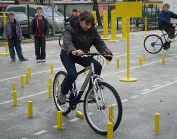 Osnovna škola Matija Vlačić dobila poligon za vožnju bicikla (Audio)