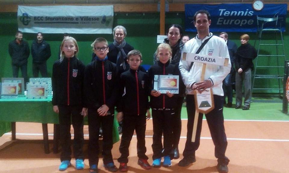 Mlada tenisača Rapca Lucija Zupičić igrala za reprezentaciju Hrvatske