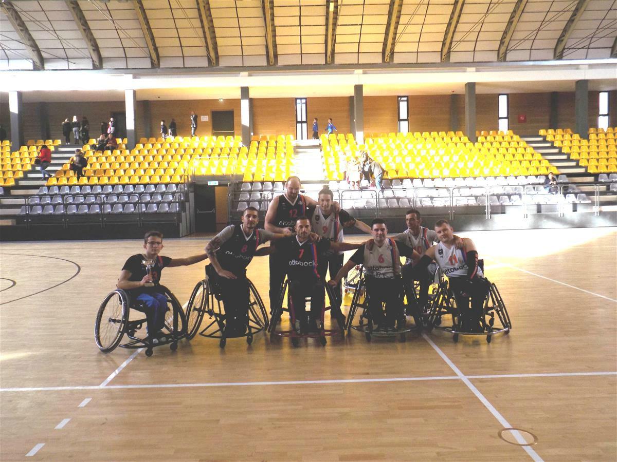 Održan malonogometni susret i košarkaška utakmica osoba s u invalidskim kolicima