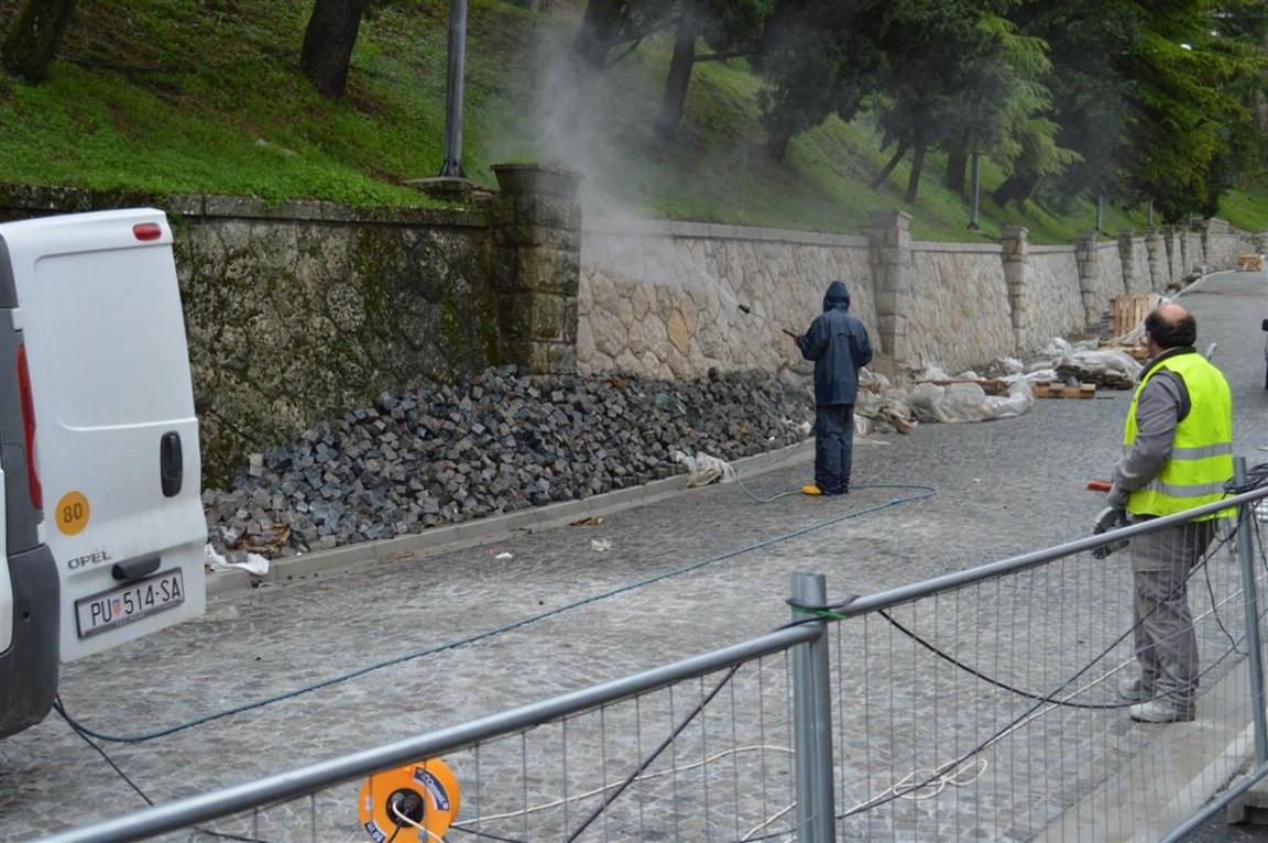 Ulica Aldo Negri: Radovi pri samom kraju, zid kao da je jučer sazidan