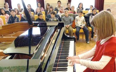 Jutarnji koncert nagrađenih mladih labinskih glazbenica u Puli