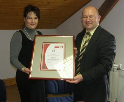 """Trgovačko društvo """"1 Maj"""" d.o.o. dobilo ISO 9001:2000 certifikat"""