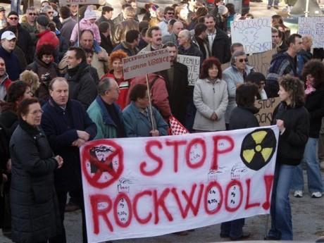 Sindikat Istre i Kvarnera Rockwoolu najavio štajk upozorenja u sve tri smjene 27. ožujka 2009.