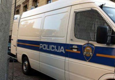 Raški ''Marginalci'' privedeni zbog divljanja, jedan udario policajca nogom u trbuh