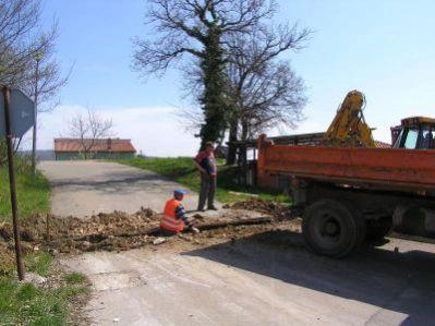 Građevinari blokirali labinsko naselje Marcilnicu!