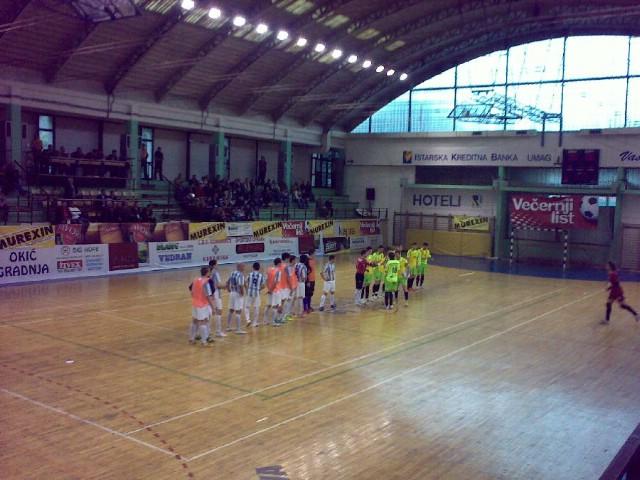 Započela završnica malonogometnog kupa Hrvatske u labinskoj dvorani srednje škole Mate Blažine