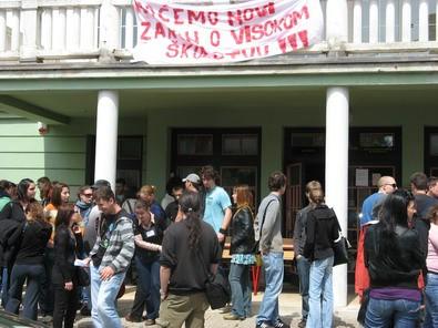 Studenti blokirali Sveučilište i u Puli
