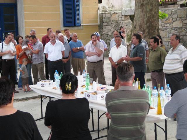 Kandidat za Župana Jakovčić boravio u Pićnu i pozvao Labinjane da mu daju podršku (Audio)