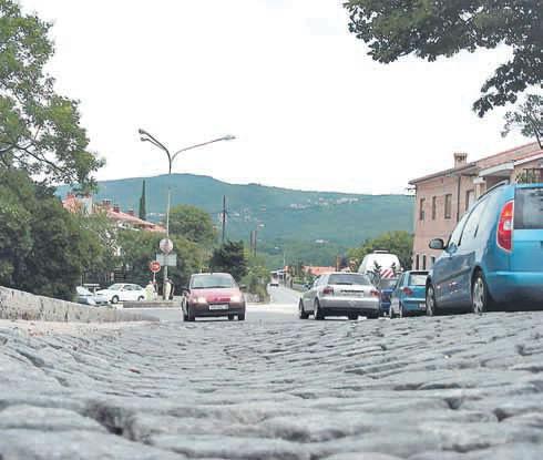 Labinska cestovna infrastruktura u očajnom stanju - ulice sa grbama i valovima