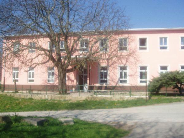 Neizvjesna budućnost osnovne škole u Čepiću