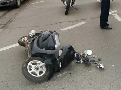 Labin: U frontalnom sudaru teško ozlijeđena 25-godišnja vozačica mopeda