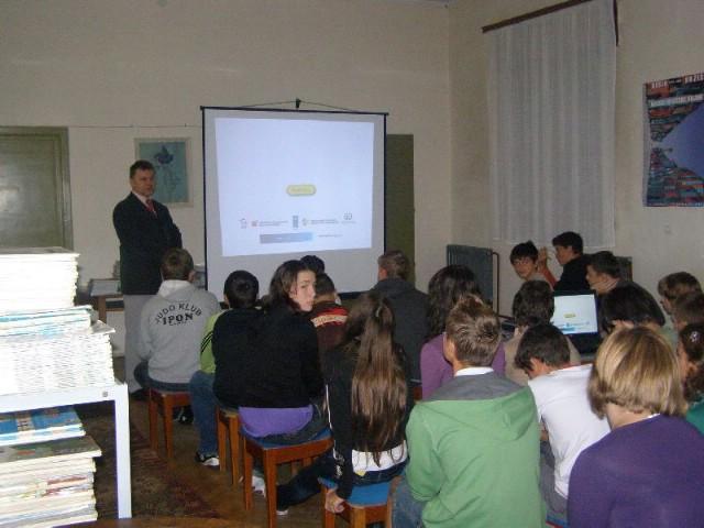 Europski tjedan mobilnosti u labinskim školama kroz edukaciju i praksu (galerija fotografija)