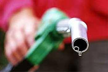 Od ponoći jeftinije gorivo od sedam do 12 lipa