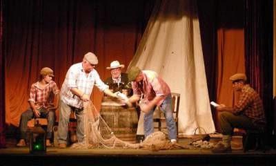 Gostovanje hvarskog pučkog teatra: Ribanje i ribarsko prigovaranje u Labinu