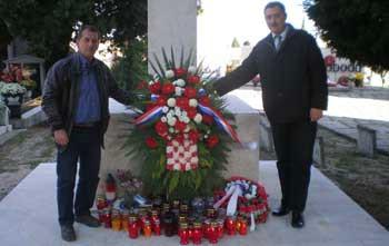 Labinska organizacija HDZ-a položila vijenac na Centralnom križu