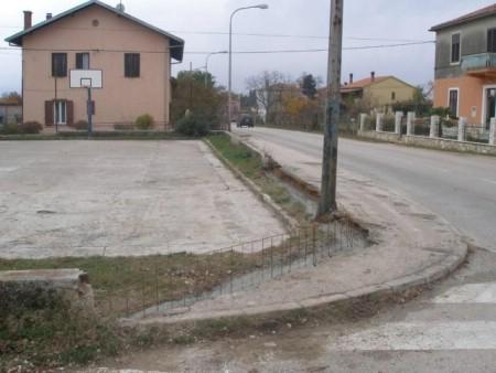 Zamjena ograde na košarkaškom igralištu Vinež