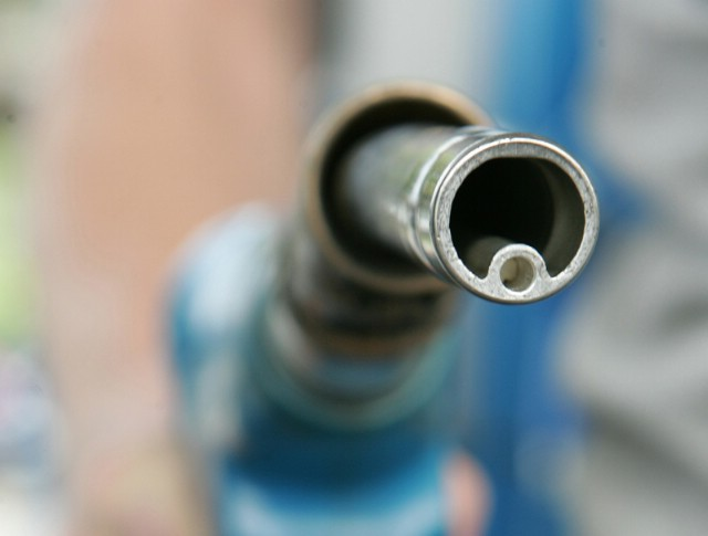 Benzin poskupljuje, dizelu pada cijena za lipu do dvije