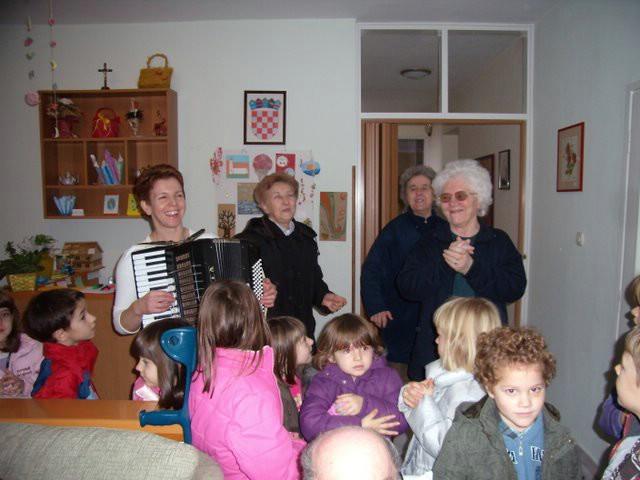 """GDCK Labin i djeca iz vrtića """"Gloria"""" posjetili Dnevni centar na Marcilnici i Nedešćini"""