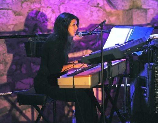 """Dina Rizvić sa svojim jazz izvedbama na albumu """"Sky Over Grožnjan"""", a početkom veljače nastupa u emisiji """"Vrijeme je za Jazz"""" na HRT-u"""