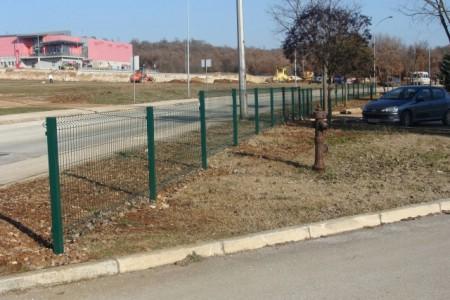 Mjesni odbor Kature financirao zamjenu ograde na školi Kature