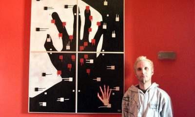 Petar Hudi izlaže u galeriji Terra: Lak-boja, keramika, parket