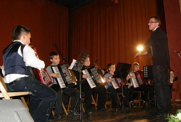 """Osnovna glazbena škola Matka Brajše Rašana predstavlja Labin na manifestaciji 3. """"Dani harmonike""""  u Poreču"""