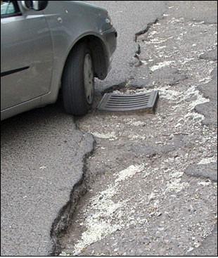 Sveta Nedelja: Feruccio Bernaz upozorio na loše stanje labinske zaobilazne županijske  ceste