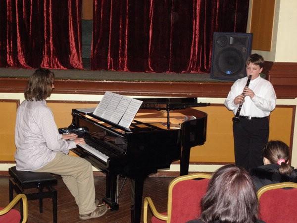 Mladi klarinetist Toni Kranjac osvojio prvu nagradu na 48. hrvatskom natjecanju učenika i studenata glazbe i plesa u Bjelovaru